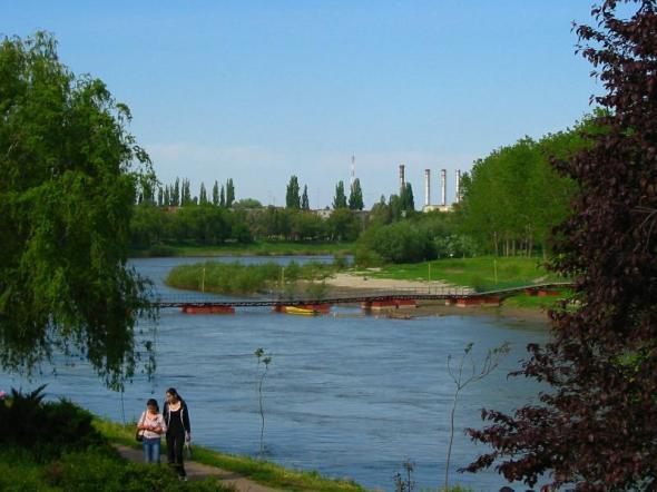 re_Pod de pontoane peste raul Mures